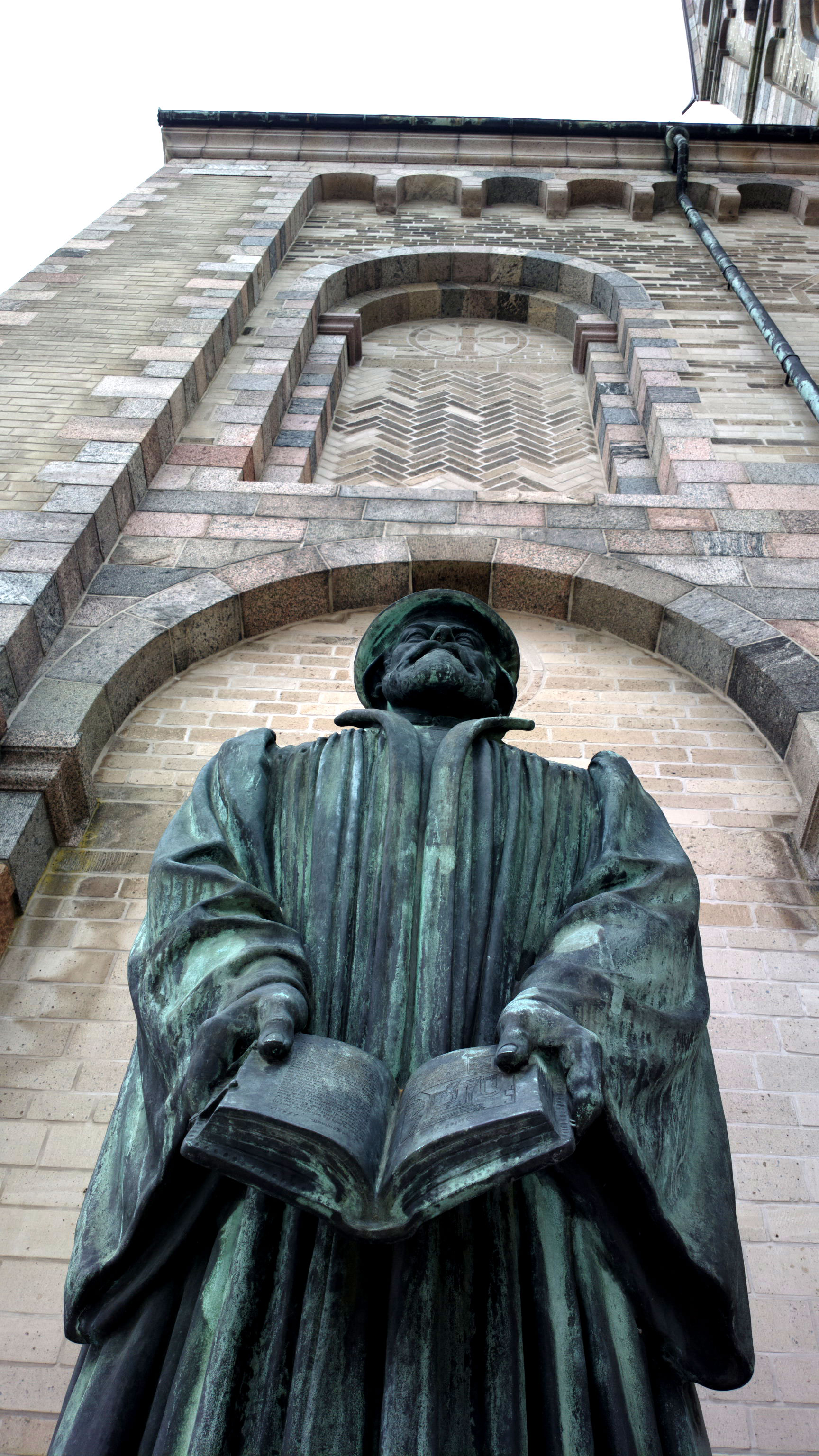 Statue of Hans Tausen in front of Ribe Cathedral